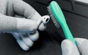 Как почистить наушники Apple